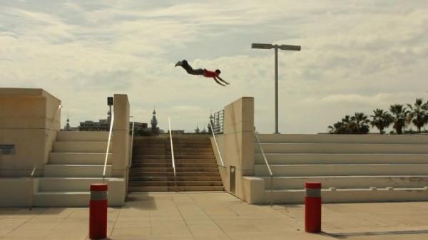Daniel Arroyo epic parkour dive kong