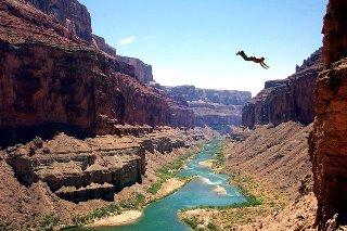Daniel Arroyo dive roll across grand canyon